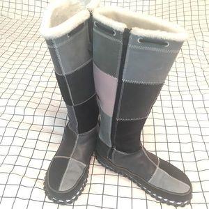 Nike boots NWOT